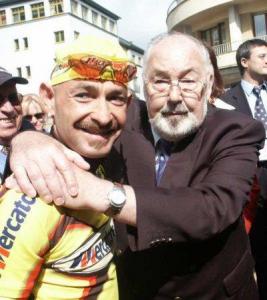 Marco Pantani e Charly Gaul come due vecchi amiconi